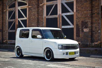 white nissan cube for sale